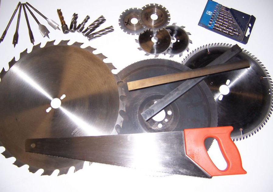 Saw Blades sold, sharpened and serviced in Hobart by Huon Saw Services